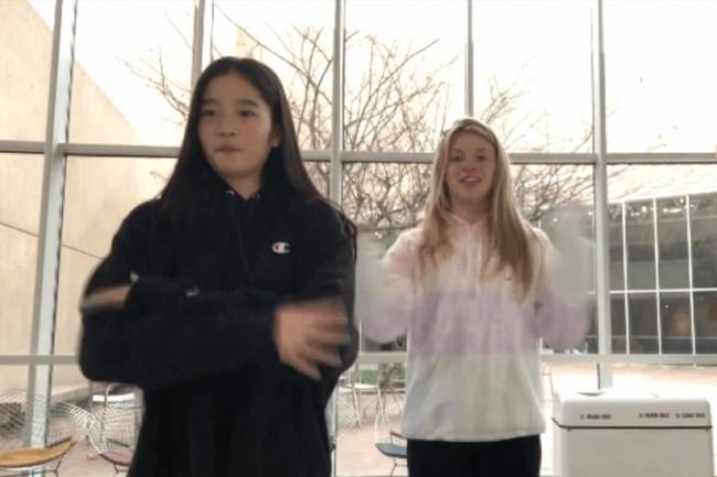 """Cháu gái gia tộc Samsung lộ diện đã lập tức """"gây bão"""" MXH với diện mạo thanh thuần nhưng chiếm trọn spotlight lại là bộ quần áo của cô bé - Ảnh 10."""