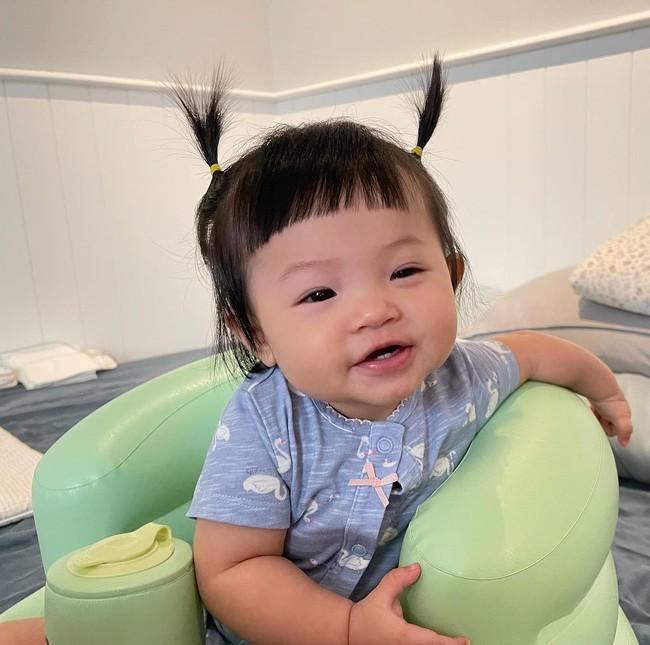 """Chuyện tập nói của nhóc tỳ nhà sao Việt: Bé 5 tháng tuổi đã gọi """"mẹ"""", bé khiến bố khủng hoảng, ám ảnh vì mãi không chịu nói - Ảnh 2."""