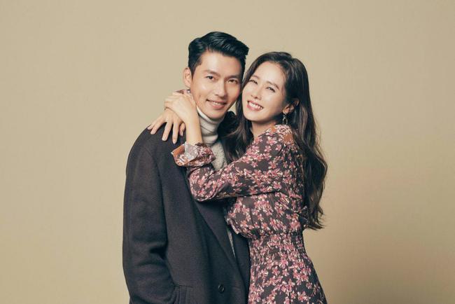 Từ trong phim ra ngoài đời, Son Ye Jin đều tích cực diện một mẫu váy siêu xinh tươi và trẻ trung - Ảnh 6.