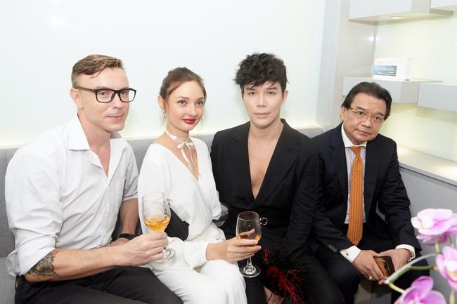 Dàn siêu xe trị giá 900 tỷ đồng đổ bộ tiệc thượng lưu toàn giới nhà giàu của Nathan Lee - Ảnh 10.