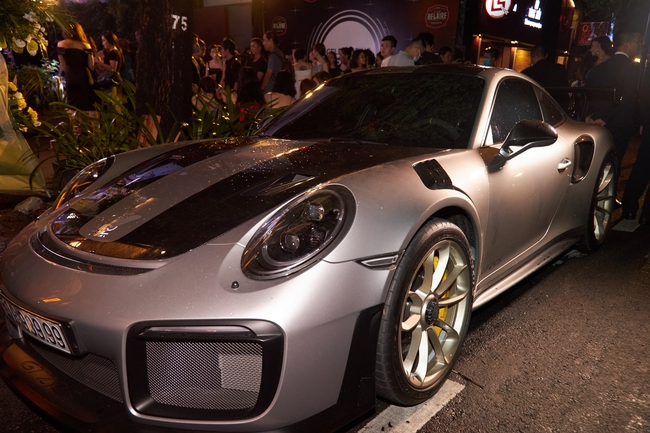 Dàn siêu xe trị giá 900 tỷ đồng đổ bộ tiệc thượng lưu toàn giới nhà giàu của Nathan Lee - Ảnh 3.