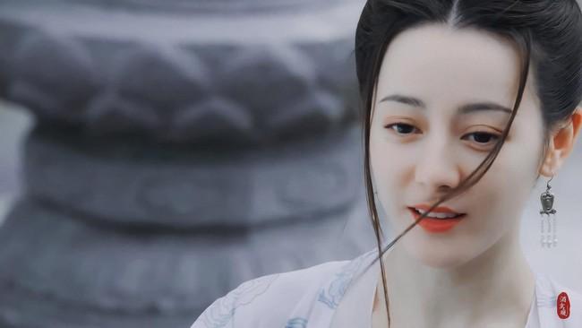 Trường Ca Hành: Địch Lệ Nhiệt Ba đã bớt xấu, tạo hình công chúa về sau đẹp mê mẩn  - Ảnh 4.