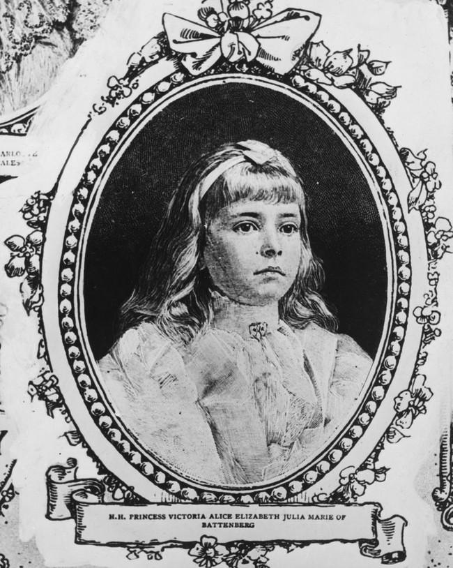 Chuyện ít biết về người phụ nữ vô cùng quan trọng với Hoàng tế Philip: Mắc tật câm điếc bẩm sinh, phát bệnh tâm thần vì lý do bí ẩn và cái chết thanh thản ở Cung điện Buckingham - Ảnh 1.