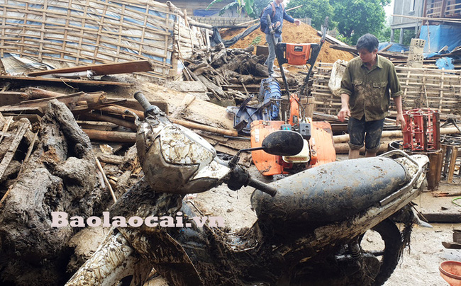 Hiện trường tan hoang sau vụ lũ ống lịch sử càn quét làm 3 người tử vong ở Lào Cai - Ảnh 2.