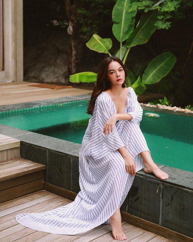 """Phạm Quỳnh Anh ngày càng mặc đẹp và còn khéo tạo dáng chụp hình để khoe điểm """"nảy nở"""" cực phẩm này - Ảnh 8."""