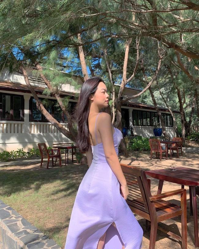 """Phạm Quỳnh Anh ngày càng mặc đẹp và còn khéo tạo dáng chụp hình để khoe điểm """"nảy nở"""" cực phẩm này - Ảnh 5."""