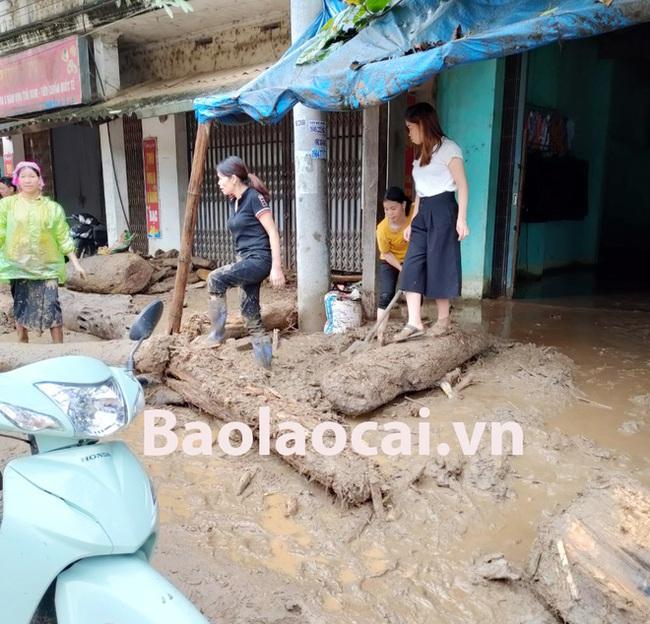 Hiện trường tan hoang sau vụ lũ ống lịch sử càn quét làm 3 người tử vong ở Lào Cai - Ảnh 3.