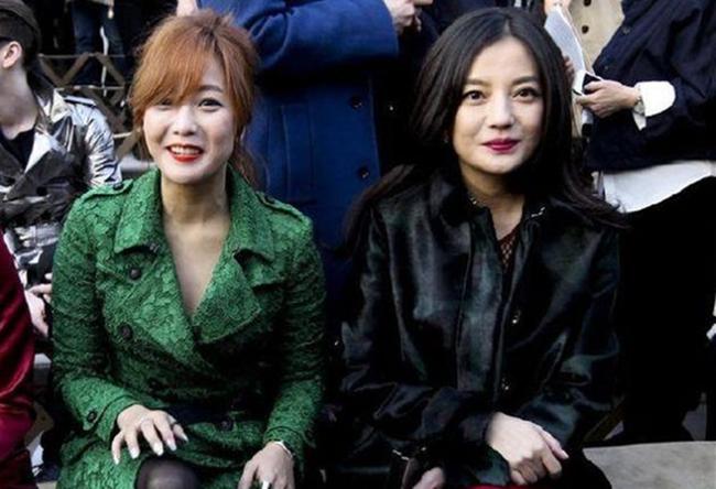 Lộ dấu hiệu lão hóa nhưng Triệu Vy vẫn được khen đẹp hơn Kim Hee Sun khi chung khung hình - Ảnh 2.