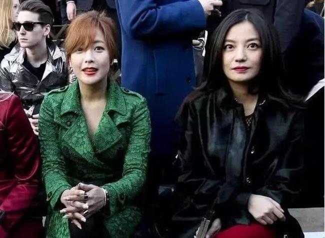 Lộ dấu hiệu lão hóa nhưng Triệu Vy vẫn được khen đẹp hơn Kim Hee Sun khi chung khung hình - Ảnh 3.