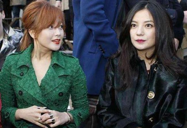 Lộ dấu hiệu lão hóa nhưng Triệu Vy vẫn được khen đẹp hơn Kim Hee Sun khi chung khung hình - Ảnh 4.