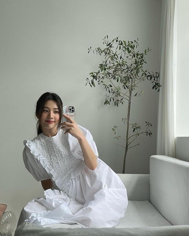 """Ngắm sao Hàn diện váy trắng xinh như mộng, chị em sẽ không tiếc tiền sắm cả """"lố"""" về để nâng cấp style - Ảnh 7."""