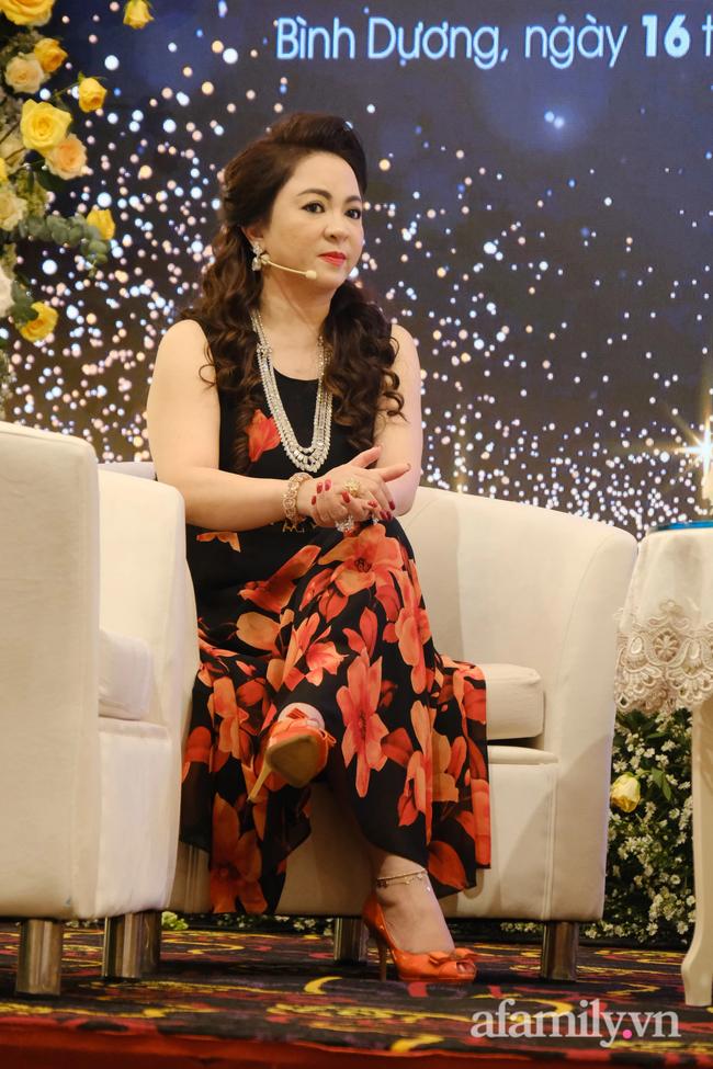 """Bà Nguyễn Phương Hằng giải thích việc bị tố vô ơn với """"thần y"""": Tìm mọi cách cứu chồng là bản năng của phụ nữ - Ảnh 5."""