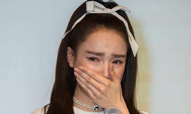 """Phía đạo diễn Nhất Trung xác nhận Nhã Phương chính là nữ diễn viên """"mắc bệnh ngôi sao"""", còn không có thiện chí thay đổi - Ảnh 2."""