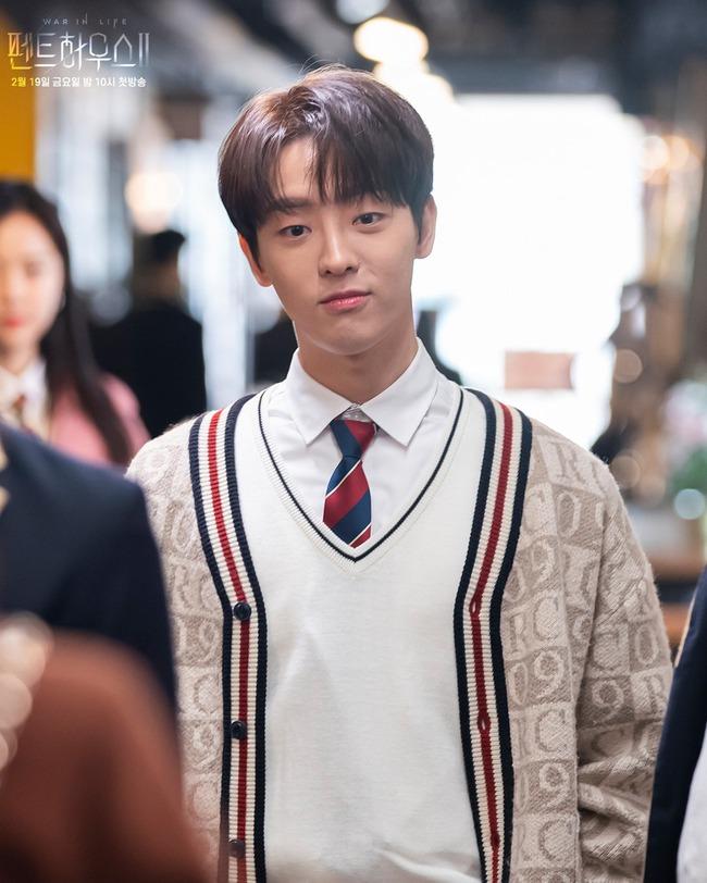 Cuộc chiến thượng lưu tập 13: Không phải Seok Hoon, Min Hyuk mới là người bị Ju Dan Tae giết chết vì quá vô dụng? - Ảnh 2.
