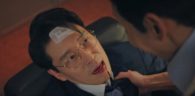 Cuộc chiến thượng lưu tập 13: Không phải Seok Hoon, Min Hyuk mới là người bị Ju Dan Tae giết chết vì quá vô dụng? - Ảnh 6.