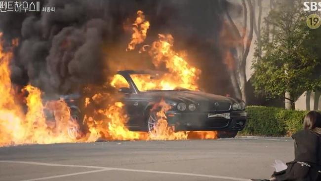Cuộc chiến thượng lưu tập cuối phần 2: Logan Lee bị cho nổ bom chết ngay trước mặt Su Ryeon, Je Ni bất ngờ trở mặt với Ro Na - Ảnh 3.