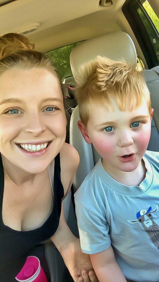 Đó không phải là một cơn giận dữ, mà đó là sự bóp nghẹt về tinh thần - câu chuyện xúc động của bà mẹ kể về con trai mắc bệnh tự kỷ - Ảnh 1.