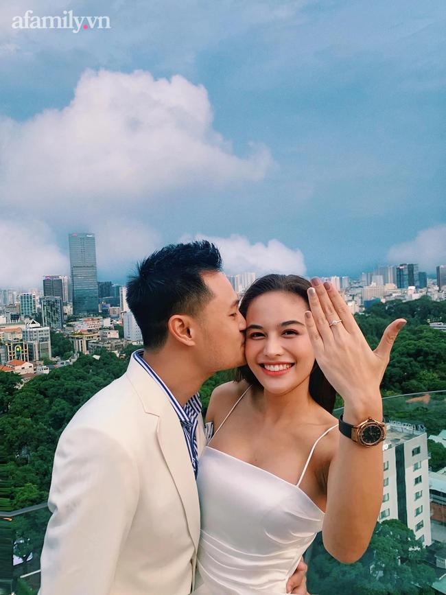 Chàng CEO từng bị hiểu nhầm là Gay hẹn hò 4 tháng đã cầu hôn, tặng vợ váy cưới xa xỉ limited, tổ chức ở cùng nơi với cầu thủ Công Phượng - Ảnh 4.