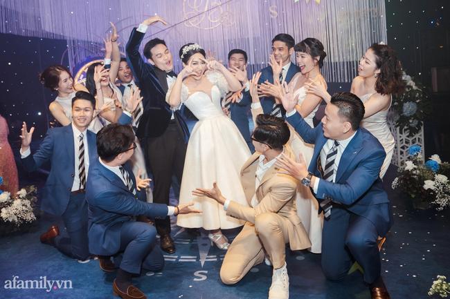 Chàng CEO từng bị hiểu nhầm là Gay hẹn hò 4 tháng đã cầu hôn, tặng vợ váy cưới xa xỉ limited, tổ chức ở cùng nơi với cầu thủ Công Phượng - Ảnh 15.