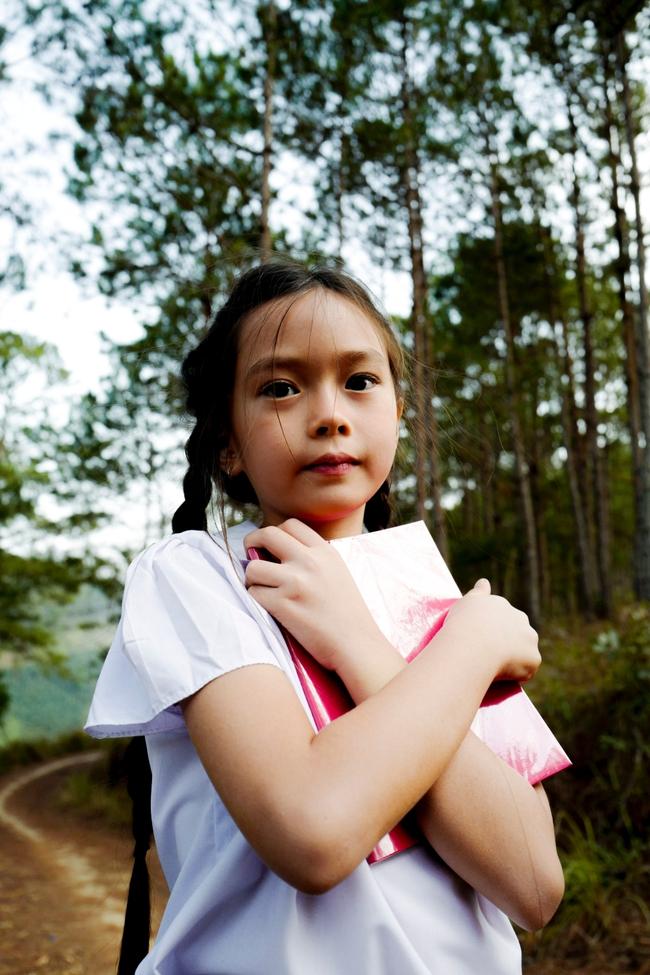 Ái nữ nhà Đoan Trang khoe giọng hát trong trẻo với ca khúc hát một mình vào đúng dịp sinh nhật tuổi lên 7 - Ảnh 3.
