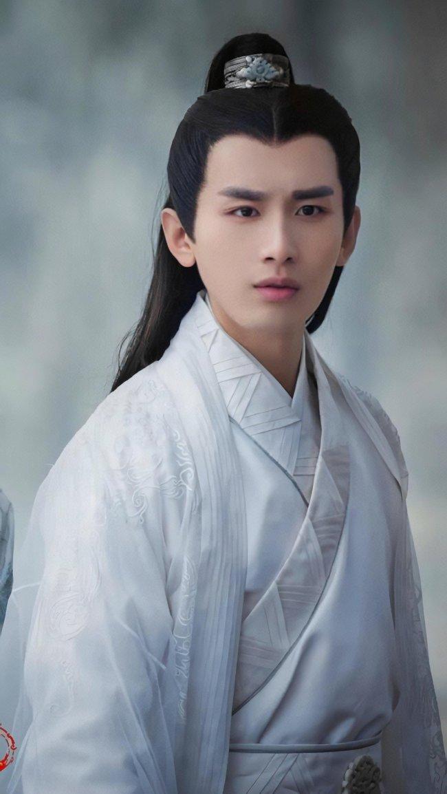 """Dương Tử cặp kè Thành Nghị ở """"Trầm vụn hương phai"""", netizen phản ứng gắt, lôi cả ảnh mập lùn ra chê cười - Ảnh 3."""