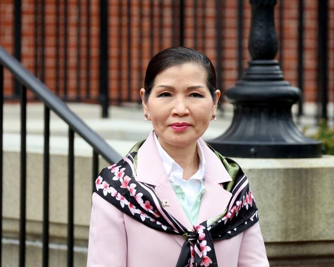"""Dành cả đời để theo đuổi """"giấc mơ Mỹ"""", mẹ đơn thân gốc Hàn giờ đã là vợ thống đốc kêu gọi người gốc Á đừng im lặng nữa - Ảnh 5."""