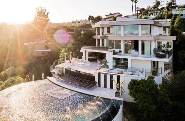 """Nathan Lee: Gia thế siêu khủng, sở hữu biệt thự dát vàng 300 tỷ đồng và bất động sản khắp nơi, bảo sao chê Ngọc Trinh """"không cùng đẳng cấp"""" - Ảnh 6."""