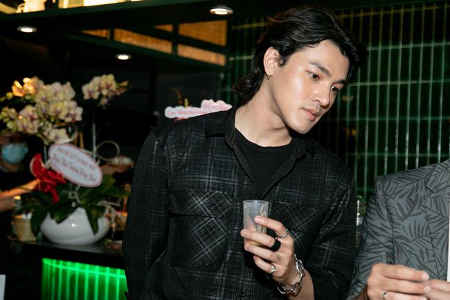 """Kaity Nguyễn tình tứ bên """"bạn trai"""" sau Gái già lắm chiêu V, nhan sắc tuổi 22 không phải dạng vừa - Ảnh 4."""