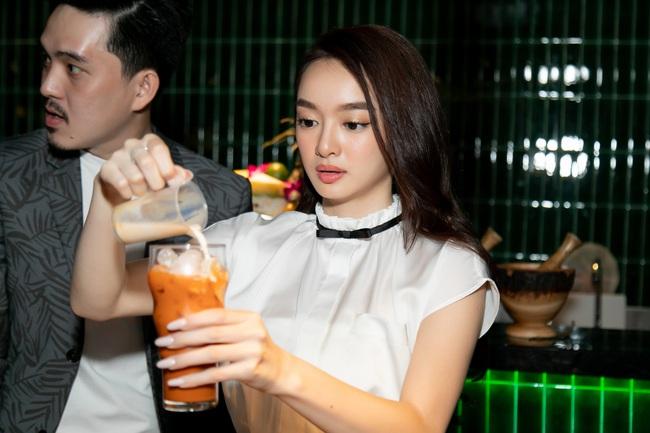 """Kaity Nguyễn tình tứ bên """"bạn trai"""" sau Gái già lắm chiêu V, nhan sắc tuổi 22 không phải dạng vừa - Ảnh 2."""