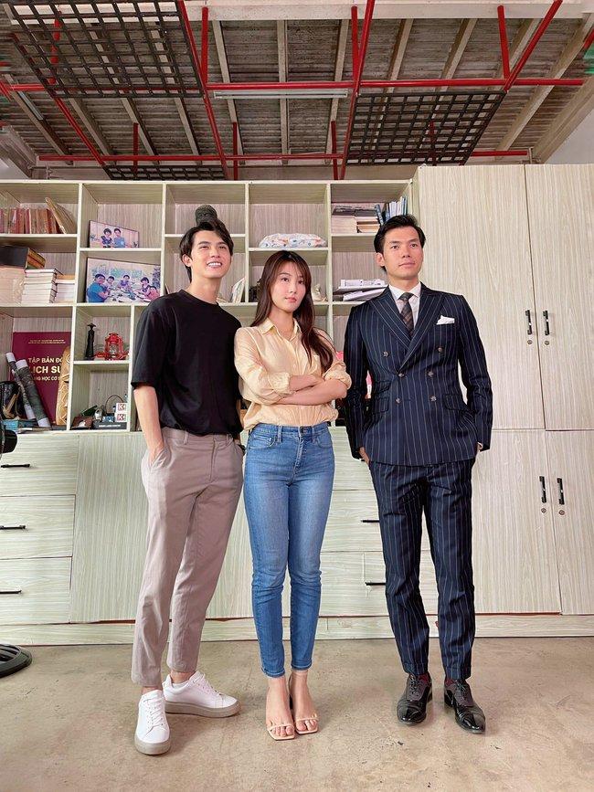Hết Minh Hằng rồi đến Diễm My 9x khoe style công sở chuẩn sành điệu và thanh lịch trong phim mới - Ảnh 2.