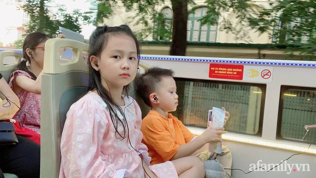 """Mẹ trẻ Hà Nội chia sẻ hành trình đưa con đi trải nghiệm xe buýt 2 tầng: Quá lung linh, diệu kỳ, con liên tục reo lên: """"Ôi mẹ ơi mẹ đẹp chưa kìa"""" - Ảnh 11."""