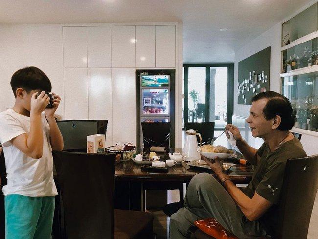 Subeo học làm nhiếp ảnh gia cầm máy đi chụp khắp nhà, nhìn thành quả Hồ Ngọc Hà tiết lộ mới bất ngờ - Ảnh 4.