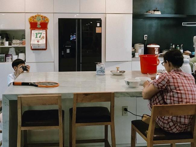 Subeo học làm nhiếp ảnh gia cầm máy đi chụp khắp nhà, nhìn thành quả Hồ Ngọc Hà tiết lộ mới bất ngờ - Ảnh 3.