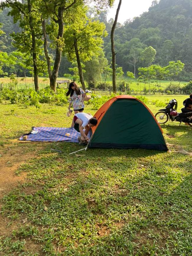 Ngày Giỗ tổ Hùng Vương vùng nội đô đi đâu cũng toàn người là người, những bước chân ra khỏi ngoại thành camping thì lại chill vô cùng - Ảnh 11.