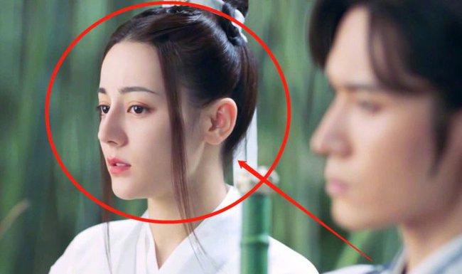 Trường Ca Hành chưa kết thúc mà Địch Lệ Nhiệt Ba đã đóng phim cổ trang mới, nam chính là Cung Tuấn?  - Ảnh 2.