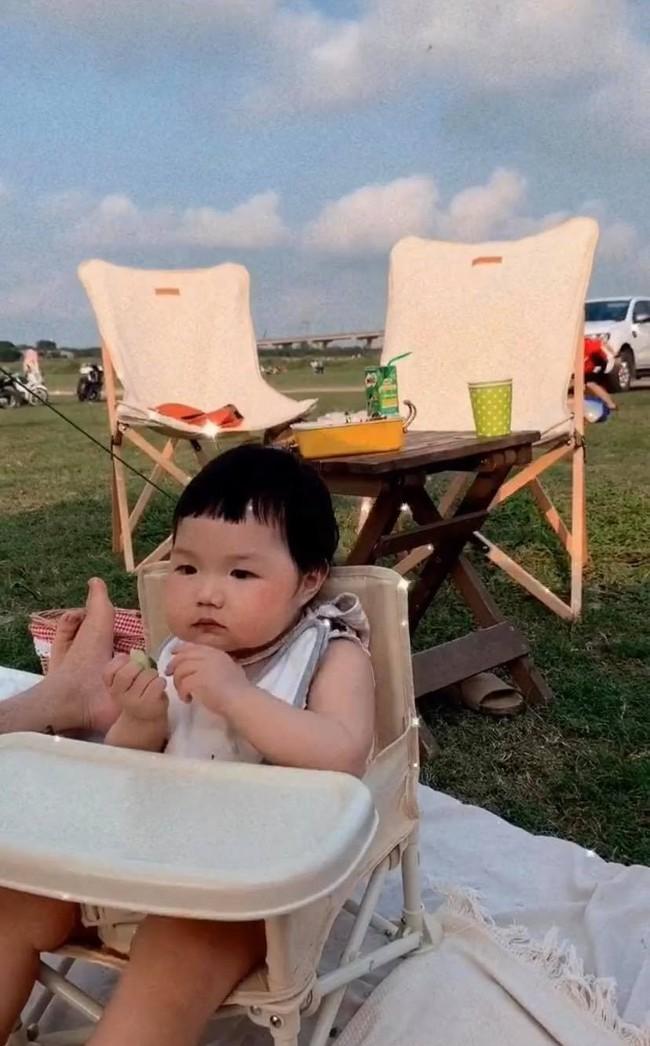 Tất tần tật những món đồ dùng cần thiết cho bé khi đi cắm trại theo tiêu chí: Tối giản, tiết kiệm nhưng vẫn đầy đủ - Ảnh 2.