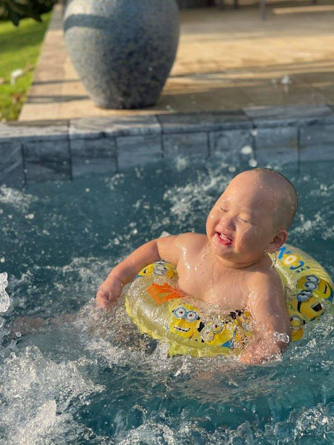 """""""Vựa muối"""" nhà Trà My Idol chỉ đi bơi thôi chứ có làm gì đâu mà ai xem ảnh cũng bật chế độ """"auto cười"""" - Ảnh 6."""
