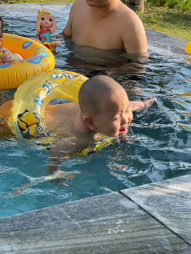 """""""Vựa muối"""" nhà Trà My Idol chỉ đi bơi thôi chứ có làm gì đâu mà ai xem ảnh cũng bật chế độ """"auto cười"""" - Ảnh 3."""