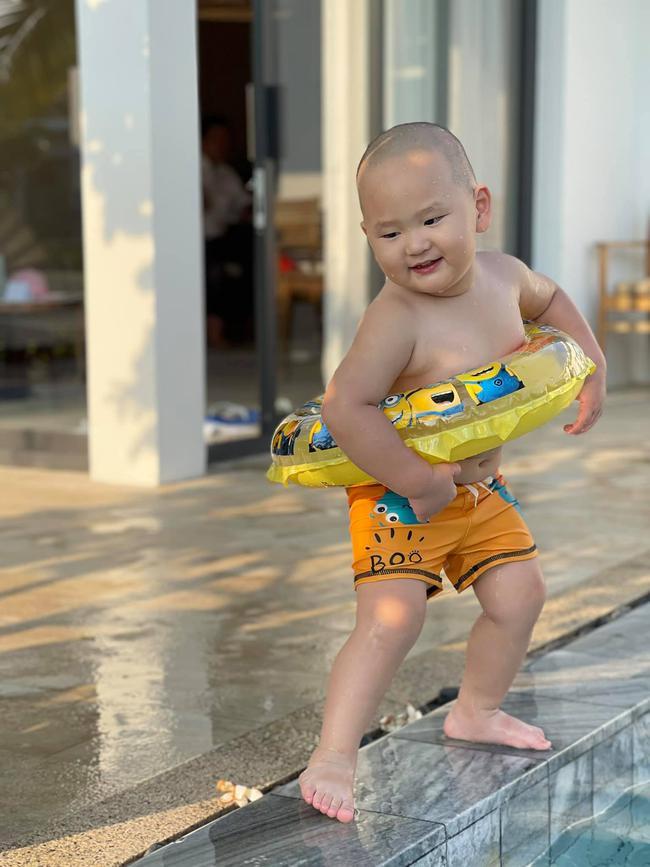 """""""Vựa muối"""" nhà Trà My Idol chỉ đi bơi thôi chứ có làm gì đâu mà ai xem ảnh cũng bật chế độ """"auto cười"""" - Ảnh 1."""