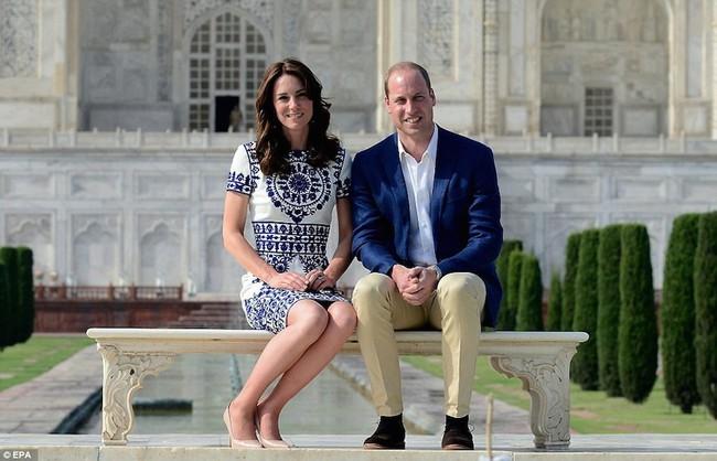 """Kỷ niệm 10 năm ngày cưới của nhà Công nương Kate: Một loạt khoảnh khắc """"tình bể bình"""" của cặp đôi chứng minh họ là một nửa hoàn hảo dành cho nhau - Ảnh 8."""