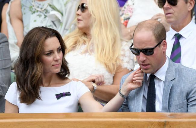 """Kỷ niệm 10 năm ngày cưới của nhà Công nương Kate: Một loạt khoảnh khắc """"tình bể bình"""" của cặp đôi chứng minh họ là một nửa hoàn hảo dành cho nhau - Ảnh 11."""