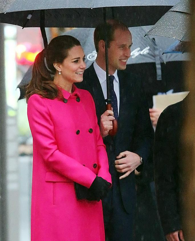 """Kỷ niệm 10 năm ngày cưới của nhà Công nương Kate: Một loạt khoảnh khắc """"tình bể bình"""" của cặp đôi chứng minh họ là một nửa hoàn hảo dành cho nhau - Ảnh 17."""