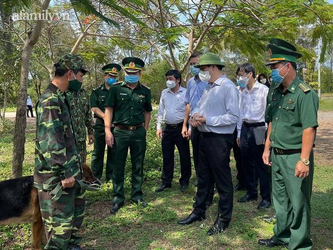 NÓNG: Bộ Y tế công bố kết quả giải trình tự gene các trường hợp nhiễm COVID-19 nhập cảnh từ Campuchia vào Việt Nam - Ảnh 1.