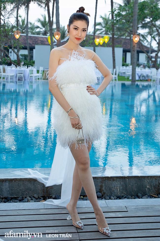 """Dàn sao diện cây trắng sang trọng, Hoa hậu Đỗ Thị Hà và Jennifer Phạm bỗng """"lạc quẻ"""" với tông màu nổi bật - Ảnh 4."""