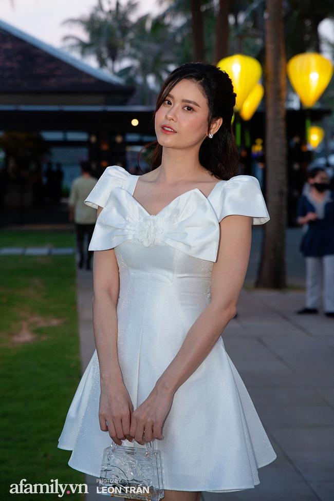 """Dàn sao diện cây trắng sang trọng, Hoa hậu Đỗ Thị Hà và Jennifer Phạm bỗng """"lạc quẻ"""" với tông màu nổi bật - Ảnh 10."""