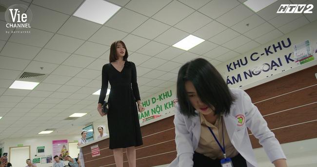 Cây táo nở hoa: Hé lộ thân phận tình cũ của Châu, yêu 10 năm mà đang tâm hủy hôn trước ngày cưới - Ảnh 2.