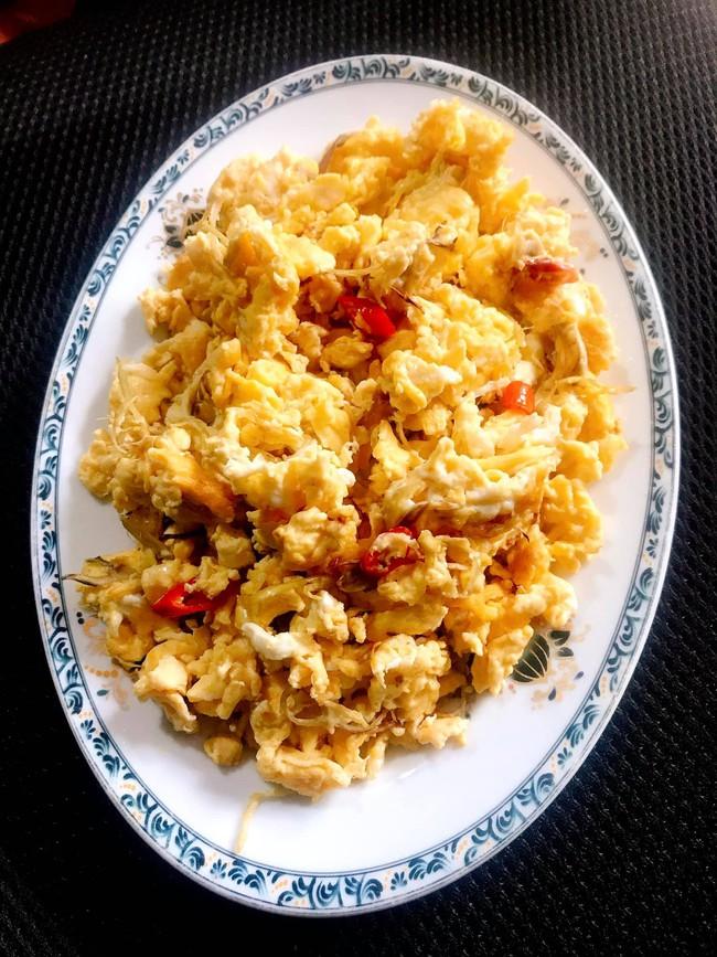 90% bà nội trợ chưa từng thử nấu trứng theo cách này, 5 phút xong ngay món đơn giản mà ai cũng xuýt xoa vì thơm ngon - Ảnh 2.