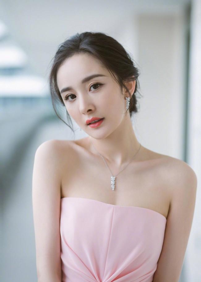 BXH ảnh hưởng của dàn sao nữ Cbiz trên Internet: Triệu Lệ Dĩnh dẫn đầu vì vụ ly hôn ồn ào - Ảnh 4.