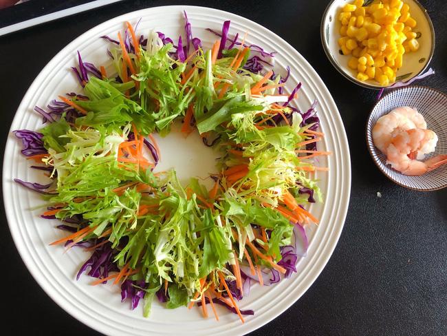 Mùa hè chỉ cần ăn món salad này thường xuyên đảm bảo da đẹp dáng xinh - Ảnh 10.