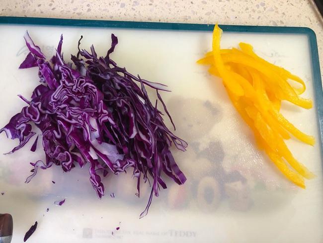 Mùa hè chỉ cần ăn món salad này thường xuyên đảm bảo da đẹp dáng xinh - Ảnh 3.